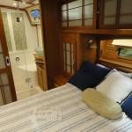 01-25boatshowyacht6 600