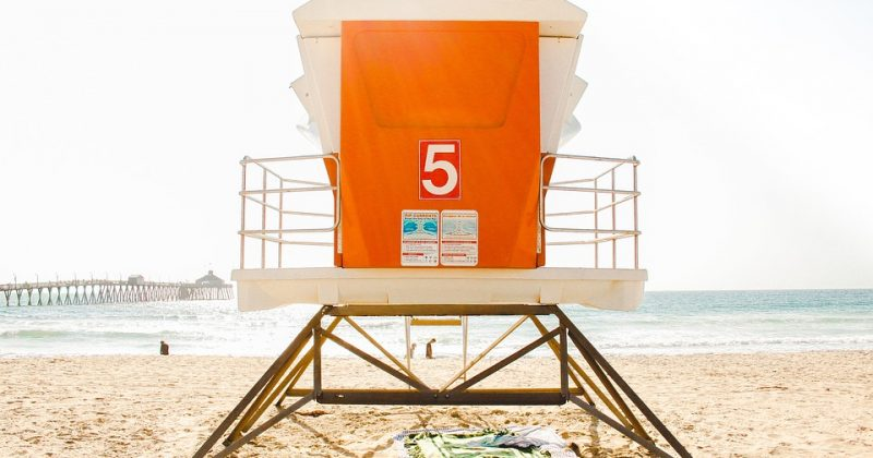 4 Tips for Staying Safe at the Beach