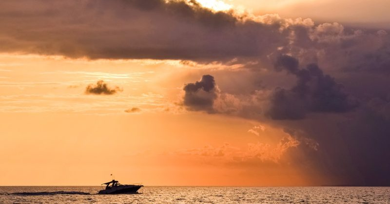 A Quick Boating Guide for Stormy Weather